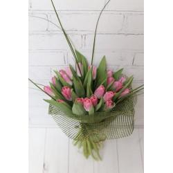 25 тюльпанов в сетке