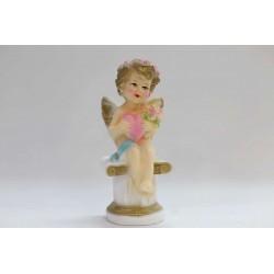 ангелочек на колонне маленький